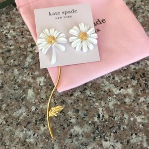 NWT Kate Spade Into the Bloom Daisy Earrings